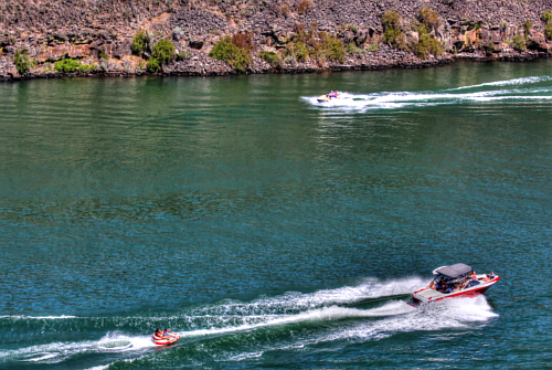 Boating at Lucky Peak resevoir in Boise Idaho