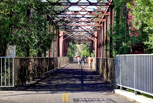 Pedestrian bridge over Boise River