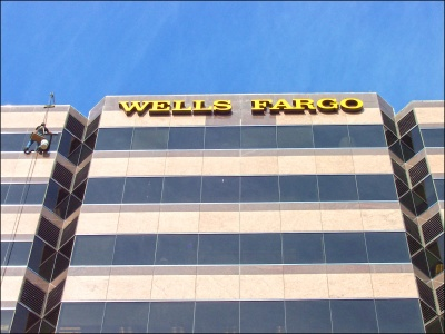 bank_downtown_wells_fargo